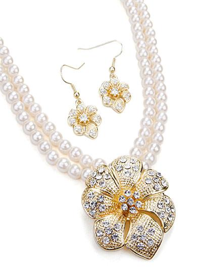 White Fashion Jewelry, White Cream Beaded Jewelry