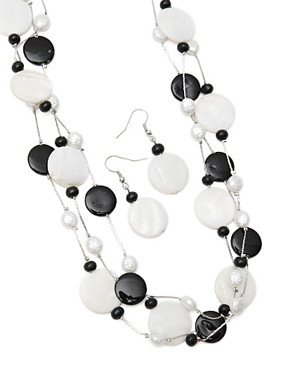 Fashion Jewelry in Black and White, Black White Shell Necklace
