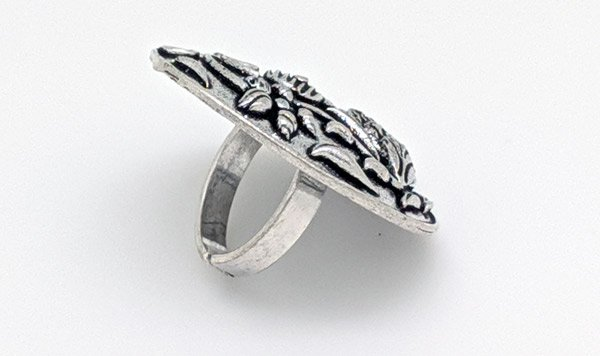 Oxidized Silver Duck Embossed Boho Finger Ring