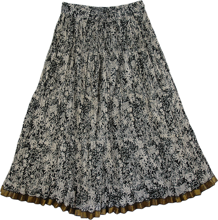 Crinkled Black Flower Pattern Skirt, Black White Boho Crinkled Ladies Short Skirt