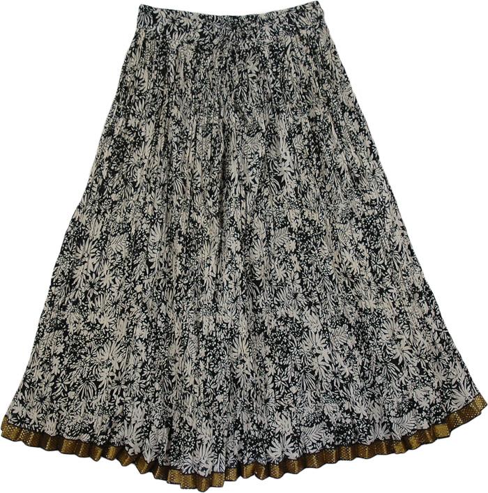 Crinkled Black Flower Pattern Skirt, Black White Boho Crinkled Ladies Short Skirt